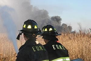 Firefighters need to discuss and develop improved incident variable recognition and processing, which in turn drives new tactics and better decision making. (Photo by Steve White.)